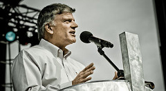 franklin-graham-white-shirt2